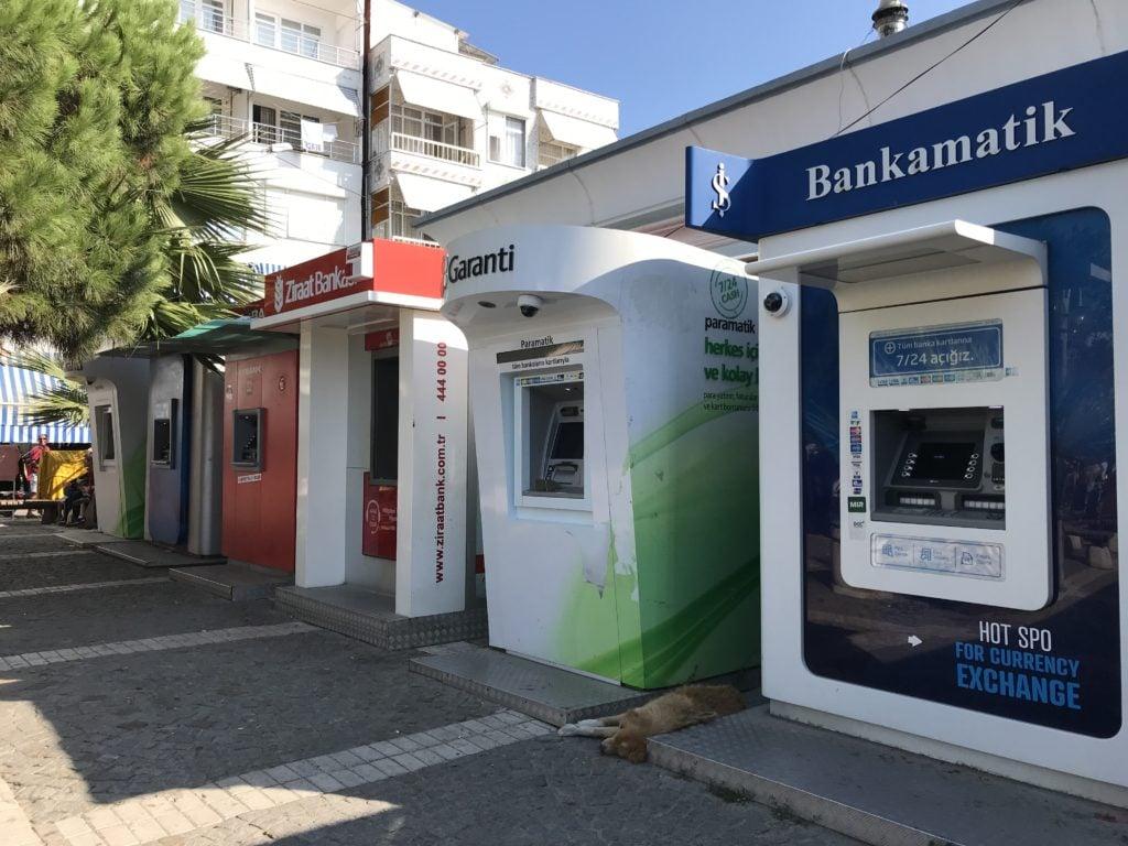 Avşa Adası'nda ki banka ve bankamatikler