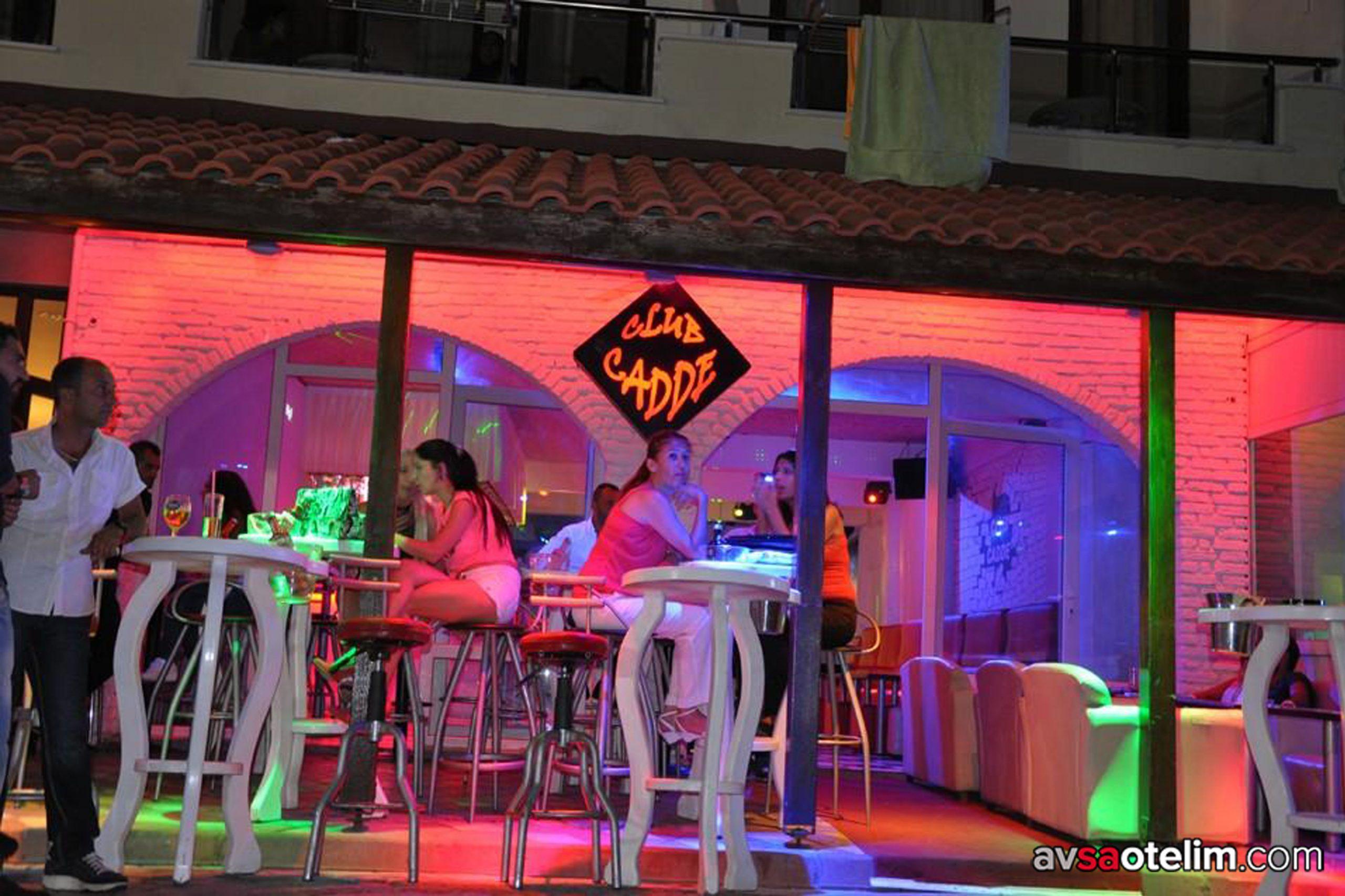 Avşa Adası Cadde Bar